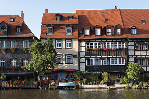 Germany, Bavaria, Bamberg, View of historic district with regnitz river - SIEF001921