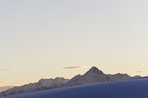 Austria, Zuers, View of alps at dawn - MIRF000330