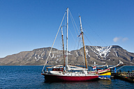 Europe, Norway, Spitsbergen, Svalbard, Longyearbyen, View of sailing boat at harbour - FO003703