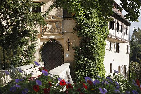 Germany, Bavaria, Franconia, Franconian Switzerland, View of Rabenstein Castle - SIEF002002