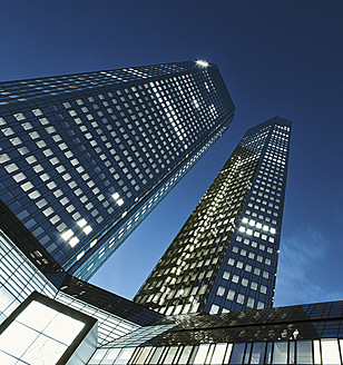 Germany, Hesse, Frankfurt, View of Deutsche Bank  building at night - WA000007