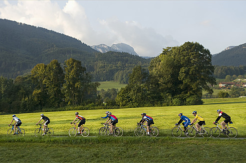 Germany, Bavaria, Wendelstein, Cyclist in marathon cycle race - RN000840