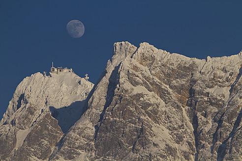 Austria, View of snowy mountain at dawn - FFF001260
