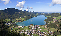 Austria, Fuschl, View of town with Fuschlsee Lake - WWF001987