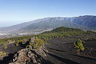 Spain, La Palma, View of Caldera de Taburiente and El Paso - SIEF002471