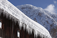 Austria, Styria, View of icicle on roof - SIEF002528