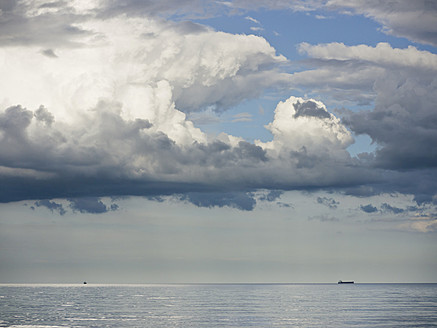 Germany, View of cloudy sky over Baltic Sea at Rugen Island - LFF000353