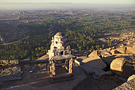 India, Karnataka, Hampi, View of Vijayanagara ruins - MBEF000300