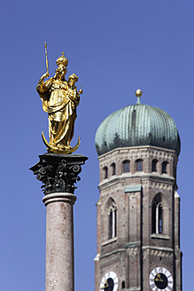 Germany, Bavaria, Munich, Marian column in front of Church of Our Lady - TCF002440
