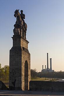 Germany, Bavaria, Munich, Otto von Wittelsbach statue on bridge - LFF000451