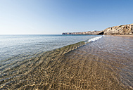 Portugal, Algarve, Sagres, View of beach with reflection - MIRF000409