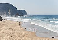 Portugal, Algarve, Sagres, People enjoying on beach - MIRF000430