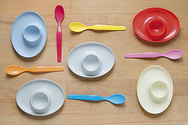 Germany, Egg cup and spoon on table - MUF001217