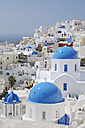 Greece, View of classical whitewashed church of Cyclades at Oia - RUEF000951