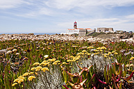 Portugal, View of lighthouse at Cabo de Sao Vicente - UMF000389