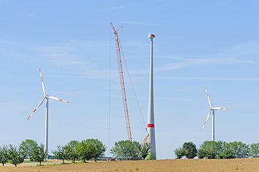 Germany, Saxony, Construction of wind wheel with crane - MJF000062