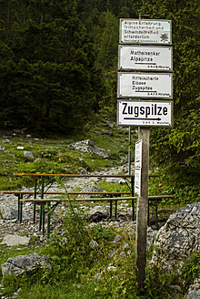 Germany, Bavaria, Sign post at Zugspitze - KAF000017
