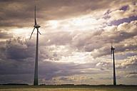 Germany, Saxony, Wind turbine in wind park - MJF000140