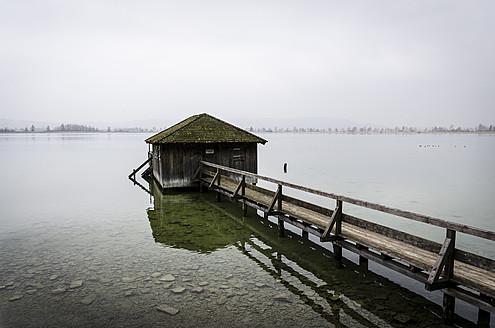 Germany, Bavaria, View of Kochelsee Lake - MBOF000007
