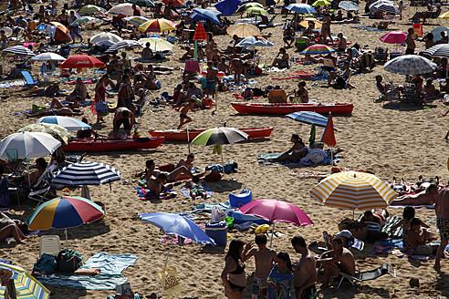 Spain, Costa Brava, Catalunya, Tourists at beach - JM000196