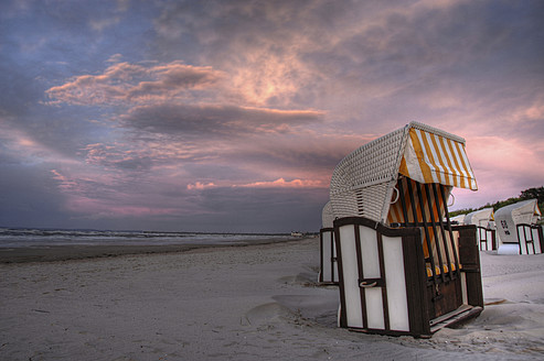 Germany, Roofed wicker beach chair at Baltic Sea - FDF000008