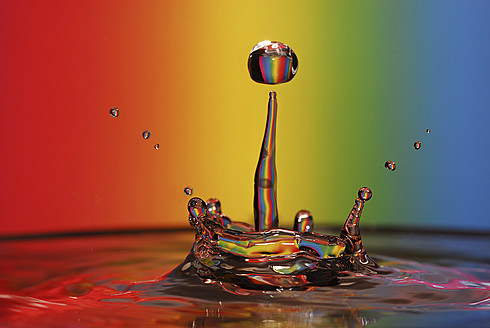Splashing water with rainbow background - FDF000004