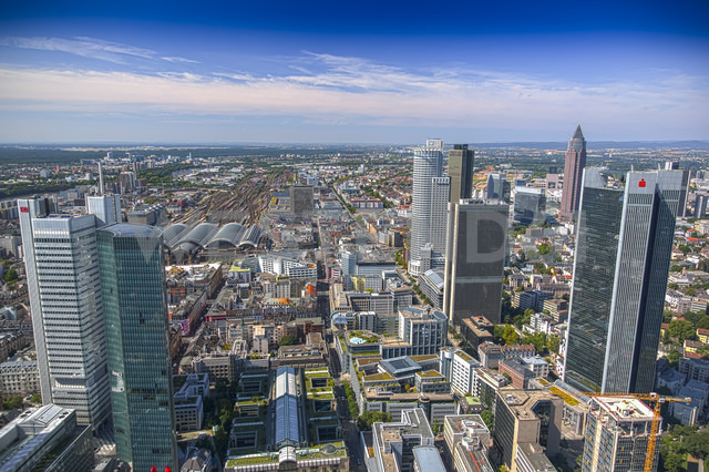 Germany, Frankfurt, View of financial district - CPF000001 - Christoph Prall/Westend61
