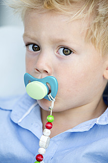 Germany, Portrait of boy with pacifier - RFF000039