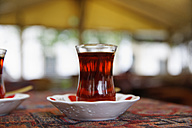 Europe, Turkey, Istanbul, Glass of cay - SIEF002935