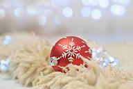 Christmas bauble, close up - MJF000143