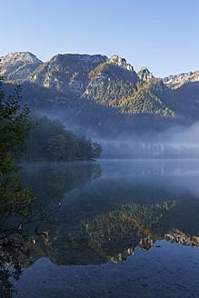 Austria, Upper Austria, View of Offensee Lake near Totes Gebirge - SIEF002907