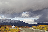 USA, Alaska, View of Denali Highway in autumn with camper - FOF004402