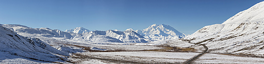 USA, Alaska, View of Mount McKinley at Denali National Park - FOF004480