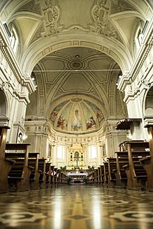 Italy, Interior of Church of San Leonardo - KA000031
