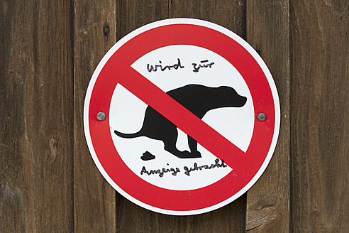 Germany, Traffic sign for dog owners - TC003156