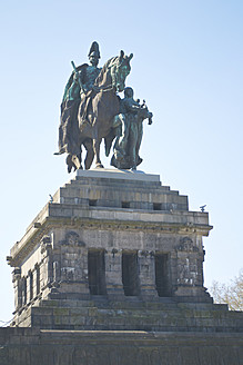 Germany, Rhineland Palatinate, Koblenz, View of Equestrian statue of Emperor Wilhelm I at Deutsches Eck - MH000081
