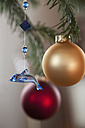 Christmas decoration with bauble, close up - CRF002266