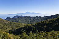 Spain, La Gomera, View of Garajonay National Park and Tenerife in background - SIE003178