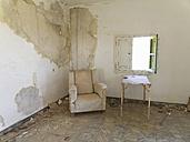 Spain, La Gomera, Empty ruined room of old airport El Revolcadero - SIE003177