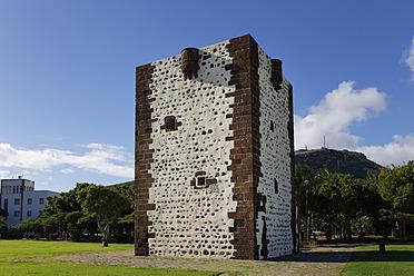 Spain, La Gomera, San Sebastian, View of Earl's Tower - SIE003135