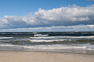 Poland, View of Baltic sea in autumn at Sarbinowo - BFRF000139