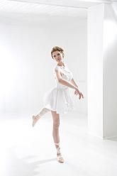 Young woman performing ballet dan - MAEF005777