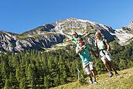 Austria, Salzburg, Family hiking at Altenmarkt Zauchensee - HHF004370