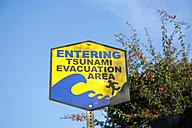 USA, Hawaii, Sign of Tsunami Evacuation - NH001362