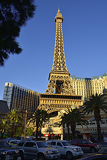 USA, Nevada, Las Vegas, View of Eiffel Tower at Paris Hotel - ES000233
