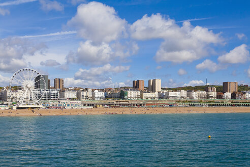 England, Sussex, Brighton, View of beach and big wheel in background - WDF001495