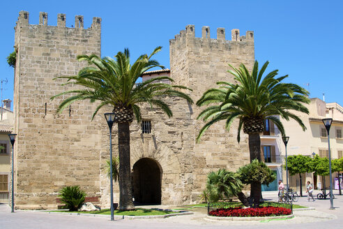 Spain, View of Porta del Moll at Alcudia - MH000118