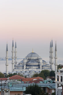 Turkey, Istanbul, View of Sultan Ahmed Mosque at Sultanahmet district - SIE003381