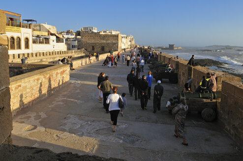 Morocco, Essaouira, People at Sqala de la Kasbah - ES000304