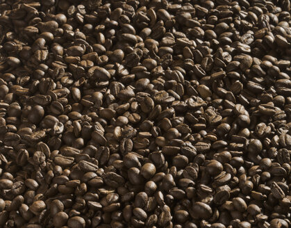 Coffee beans, close-up - CHF000021